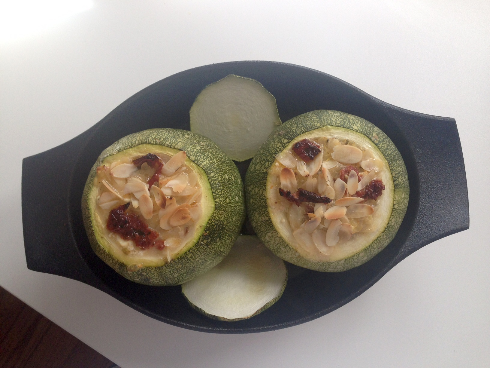 Filled zucchinis with feta cheese