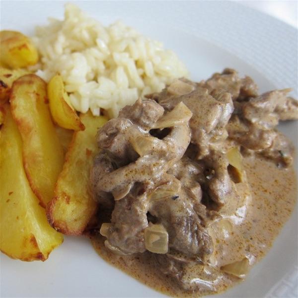 Food-Explorers-Cook-and-Lunch-Recipe-Stroganoff-Rice-Chips Estrogonofe de Carne