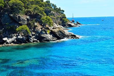Food-Explorers-Cook-and-Dine-Mediterranean-Sea