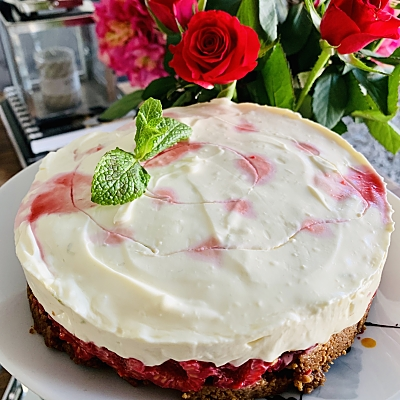 Food-Explorers-Cook-and-Lunch-Recipe-Raspberry-Swirl-Cheesecake