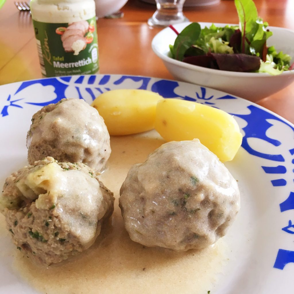 Food-Explorers-Cook-and-Lunch-Recipe-Meatballs-Horseradish-Sauce